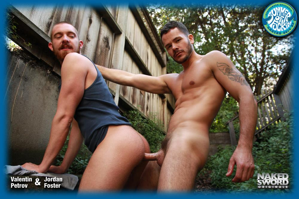 NakedSword-Jordan-Foster-and-Valentin-Petrov-Redhead-Gets-Fucked-By-A-Big-Uncut-Cock-Amateur-Gay-Porn-13 Redheaded Hipster Takes A Huge Uncut Cock Up The Ass