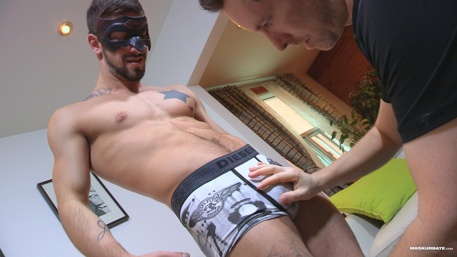 Maskurbate Carl Straight Muscle Jock With A Big Cock Amateur Gay Porn 05 Straight Muscle Hunk Gets His First Blow Job From Another Guy