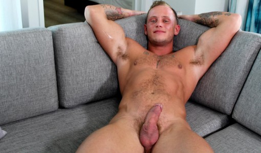 Active-Duty-Zack-Matthews-Muscle-Army-Hunk-Jerks-His-Big-Cock-Amateur-Gay-Porn-14